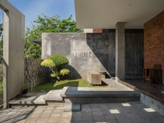 """{:asian=>""""asian"""", :classic=>""""classic"""", :colonial=>""""colonial"""", :country=>""""country"""", :eclectic=>""""eclectic"""", :industrial=>""""industrial"""", :mediterranean=>""""mediterranean"""", :minimalist=>""""minimalist"""", :modern=>""""modern"""", :rustic=>""""rustic"""", :scandinavian=>""""scandinavian"""", :tropical=>""""tropical""""}  by CV Andyrahman Architect,"""