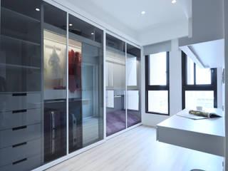 Moderne Ankleidezimmer von 瓦悅設計有限公司 Modern