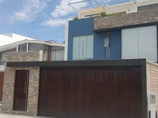 Vivienda Sachaca: Casas unifamiliares de estilo  por B+ Studio
