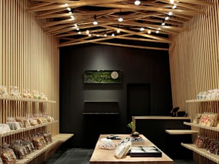 山香煎餅本舗 銀座店: 稲山貴則 建築設計事務所が手掛けた商業空間です。