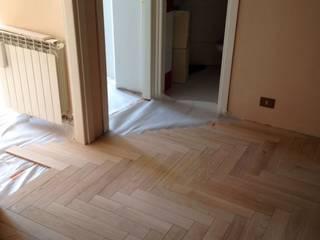 Soloparquet Srl Modern corridor, hallway & stairs Solid Wood