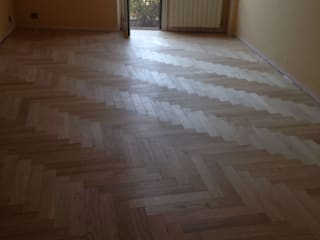 Soloparquet Srl Modern style bedroom Solid Wood