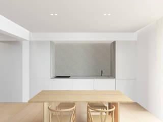 Kitchen by studio conte architetti,