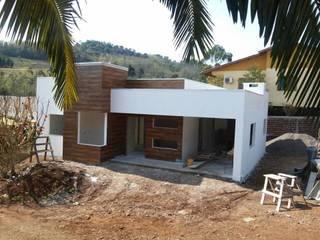 Modern houses by Lana Claudia Kunz Arquitetura Modern