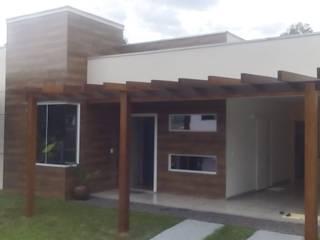 Casas de estilo  por Lana Claudia Kunz Arquitetura, Moderno