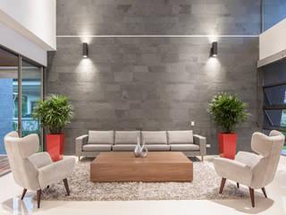 Sala de estar Salas modernas de J-M arquitectura Moderno Pizarra