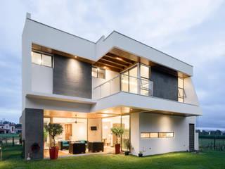 Nowoczesne domy od J-M arquitectura Nowoczesny Beton