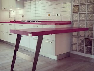 Built-in kitchens by Aguzzoli Arredamenti, Modern
