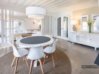 Modern living room by Pedro Queiroga | Fotógrafo Modern