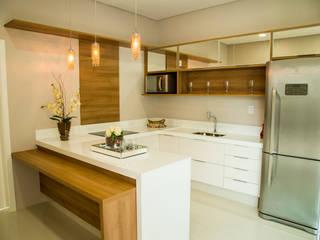 Carla Monteiro Arquitetura e Interiores 現代廚房設計點子、靈感&圖片