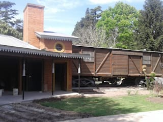 ECOS INGENIERIA Country house Bricks Red