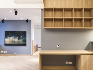 CENTURY LINK:  Living room by BIGGERTHANstudio