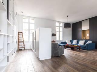 Minimalist corridor, hallway & stairs by Brengues Le Pavec architectes Minimalist