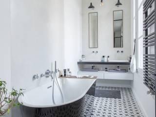 Baños de estilo minimalista de Brengues Le Pavec architectes Minimalista