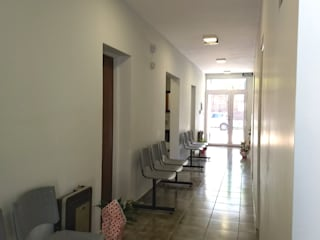 ECOS INGENIERIA Modern Corridor, Hallway and Staircase