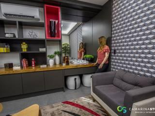 Espacios comerciales de estilo moderno de Camarina Studio Moderno
