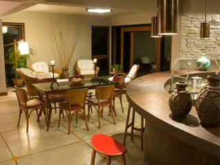 Giselle Wanderley arquitetura Ruang Makan Modern