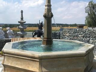 Natural stone bath fountain:   by Garten-Steinkunst