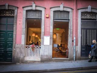 Antiga Leitaria Bistro (Porto) Espaços de restauração rústicos por Think Bold Studio Rústico