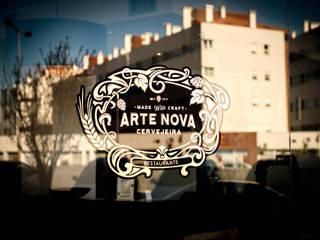 Restaurante e cervejaria Arte Nova (Aveiro) Espaços de restauração clássicos por Think Bold Studio Clássico