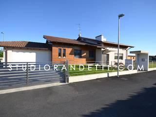 Villa Moderna e di Design by Studio Randetti di STUDIO RANDETTI - PROGETTAZIONE E DESIGN Moderno