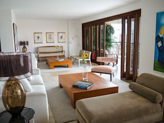 Eclectic style living room by Tejero & Ángel Diseño de Interiores Eclectic