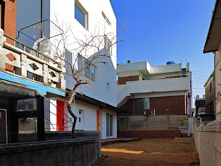 수원 단독주택: 건축그룹 [tam]의  다가구 주택,미니멀
