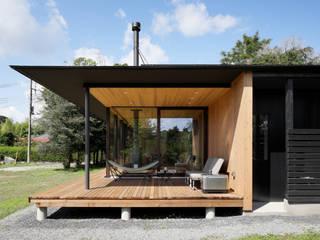052いすみ市岬町Oさんの家: atelier137 ARCHITECTURAL DESIGN OFFICEが手掛けたテラス・ベランダです。,