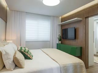 Phòng ngủ by Fernanda Miranda Arquitetura
