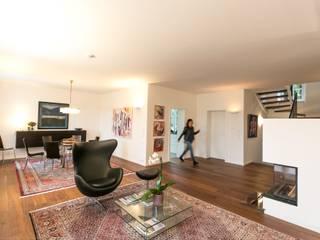 Umbau/Sanierung Villa S Klassische Wohnzimmer von INARCH Sabine Schimanofsky Klassisch