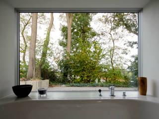 ARCHITEKTEN BRÜNING REIN Modern windows & doors White