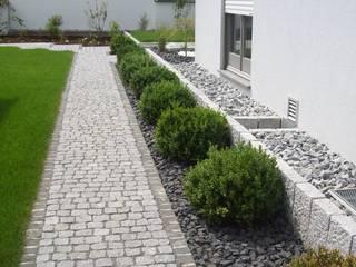 Garten-Landschaftsbau Hierreth-Felser GmbH Jardins modernos