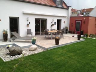 Garten-Landschaftsbau Hierreth-Felser GmbH Jardines de estilo moderno