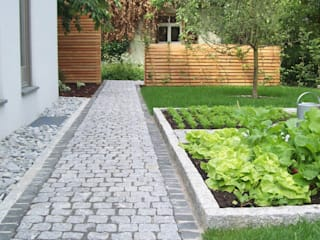 Garten-Landschaftsbau Hierreth-Felser GmbH Jardines de estilo rústico