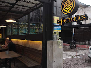 The Coffeenatics in Medan:  Restoran by Spasi Architects