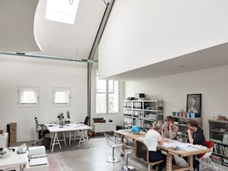 Kantoor Flim Architecten:  Studeerkamer/kantoor door MINT Architecten