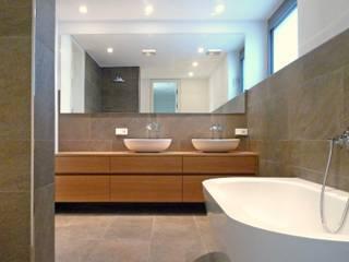 Salle de bain moderne par Weber und Partner Freie Architekten BDA Moderne