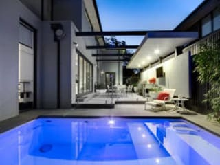 Pools Moderne Pools von Compass Pools UK Modern