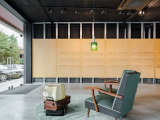 Minimalist offices & stores by Tiago do Vale Arquitectos Minimalist