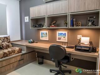 Apartamento Rústico Sofisticado: Escritórios  por Camarina Studio,Rústico