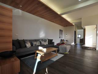 Living room by 青川室內設計有限公司
