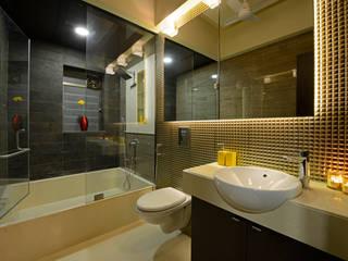 Matunga Apartment Modern bathroom by Fourth Axis Designs Modern