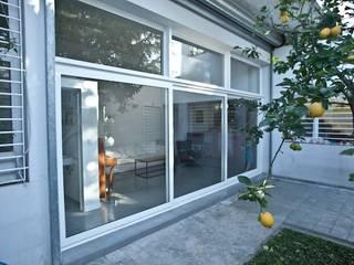 Rumah tinggal  oleh Paula Mariasch - Juana Grichener - Iris Grosserohde Arquitectura, Modern
