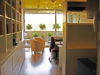Monoambiente 3 de febrero Livings modernos: Ideas, imágenes y decoración de Paula Mariasch - Juana Grichener - Iris Grosserohde Arquitectura Moderno