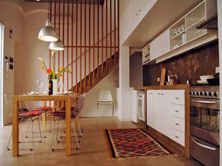 Home Loft Comedores modernos de Paula Mariasch - Juana Grichener - Iris Grosserohde Arquitectura Moderno