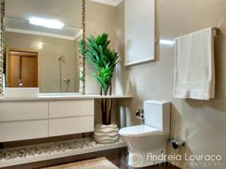 Projecto de Decoração e Remodelação WC - WC DEPOIS :   por Andreia Louraço - Designer de Interiores (Contacto: atelier.andreialouraco@gmail.com)