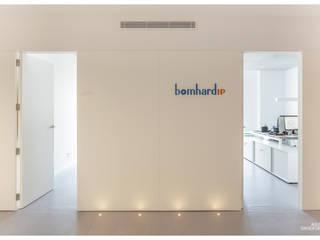 Oficinas despacho abogados BomhardIP: Estudios y despachos de estilo  de AGUSTIN DAVID PHOTOGRAPHY, Minimalista
