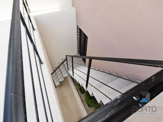 Koridor & Tangga Minimalis Oleh PORTO Arquitectura + Diseño de Interiores Minimalis