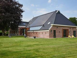 Woonboerderij Onnen - Achterzijde:  Huizen door MINT Architecten