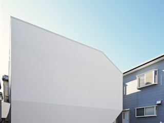 外観: 空間建築-傳 一級建築士事務所が手掛けた木造住宅です。